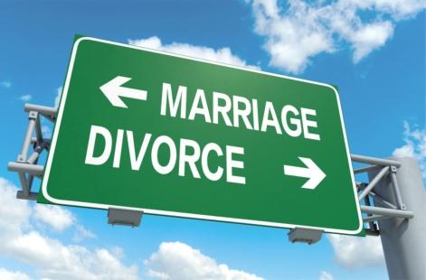 2015-07-14-1436888220-3351696-marriagedivorcesign (1)